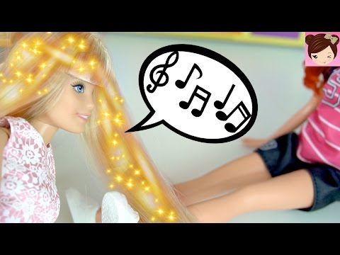 Rapunzels Daughter uses Magic Powers to Help Teen  Mermaid- Playing with Barbies Royal High Ep8