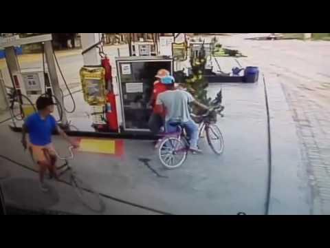 Assalto a posto de combustíveis em Janaúba - 22/12/2016