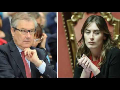 """""""Danno patrimoniale e d'immagine alla città di Arezzo"""": Ghinelli fa causa a Maria Elena Boschi ed al padre  VIDEO"""