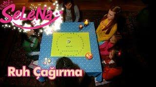 Video Kıvılcım kızları korkutmak için ruh çağırma oyunu oynuyor MP3, 3GP, MP4, WEBM, AVI, FLV Februari 2018