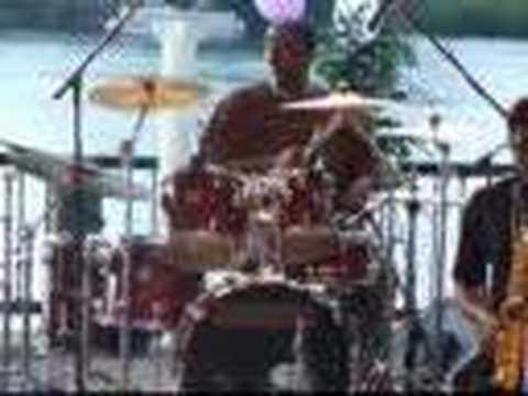 Drum solo by Alton Walker (видео)
