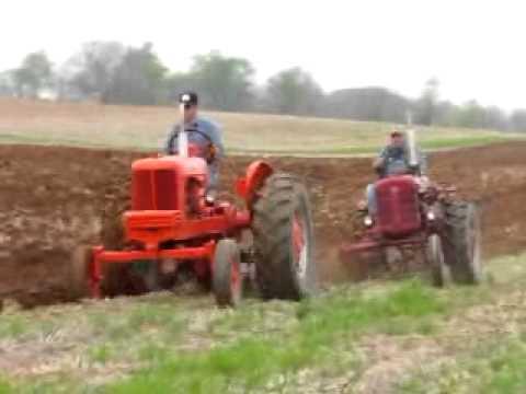 Antique Tractor Plow   9 Apr 11