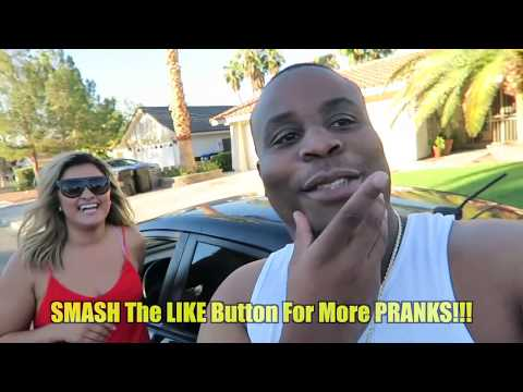 Download Sex In A Car PRANK! HD Mp4 3GP Video and MP3