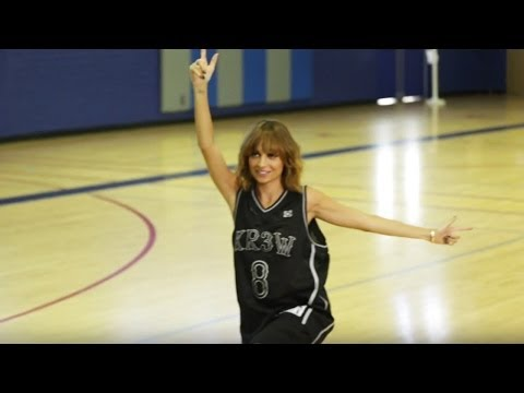 #CandidlyNicole Ep. 17 Deleted Scene | The Height Advantage