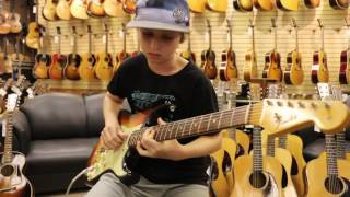 Video 12-Year-Old JADEN LEHMAN playing a 1964 Fender Stratocaster MP3, 3GP, MP4, WEBM, AVI, FLV Agustus 2018