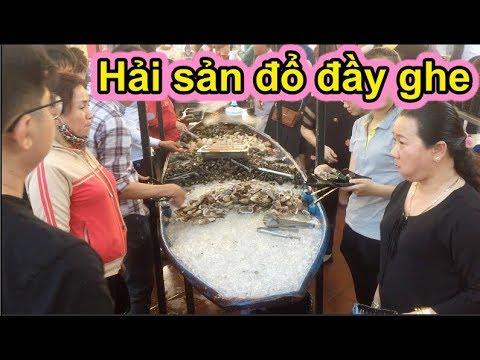 """""""Giành giật"""" nhau ở buffet ông bình dân, ghe hải sản sạch sẽ sau 30 giây - Ẩm thực Việt Nam 247 - Thời lượng: 17 phút."""