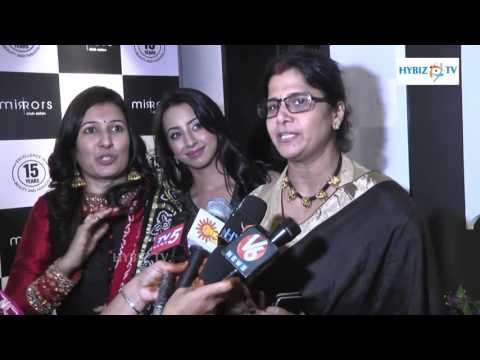 , Vijayalakshmi Mirrors Club Salon Founder