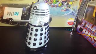 My first ever review video, so excuse everything that's a bit rubbish about it! A brief look at a 1997 Dalek playset, similar to Polly ...