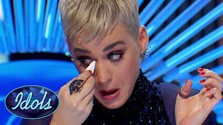 Video Karaoke Girl's Audition Has Katy Perry Reaching For The Tissues On American Idol! MP3, 3GP, MP4, WEBM, AVI, FLV Agustus 2018