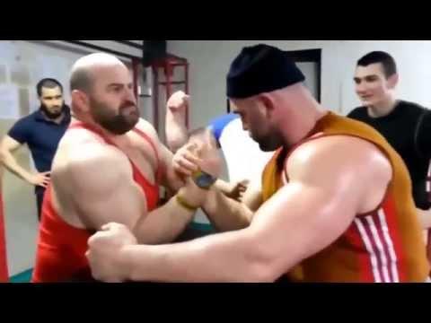 Спорт приколы с девушками и мужиками  Спортивные курьезы на тренировках и соревнованиях (видео)