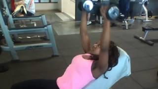 Musculation Femmes Développé Haltères Poitrine/Fitness Workout For Women Chest
