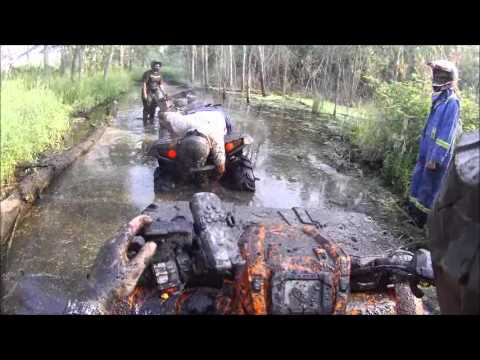 3 Polaris 850XP's mudding - Part 4