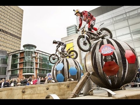 dougie lampkin in azione al red bull city!