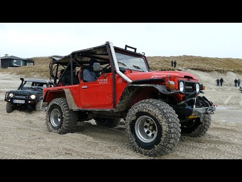 Toyota FJ40 Gets Totally Stuck & Needs Help | 4x4 OFF-ROAD | Løkken Beach Tour 2017