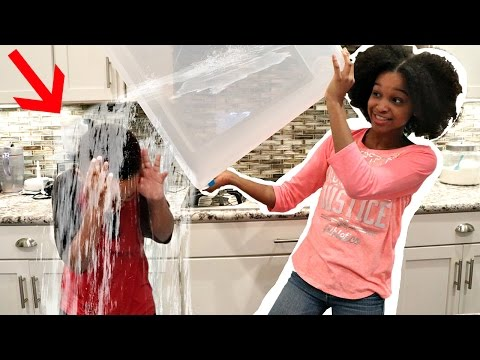 Video WATER BOTTLE COMPETITION! - Shasha and Shiloh Onyx Kids download in MP3, 3GP, MP4, WEBM, AVI, FLV January 2017