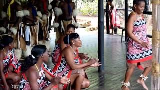 WIKI : http://fr.wikipedia.org/wiki/Village_culturel_du_Swaziland Danses traditionnelles: Comme la plupart des peuples d'Afrique,...