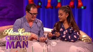 Video Ariana Grande - Full Interview on Alan Carr: Chatty Man MP3, 3GP, MP4, WEBM, AVI, FLV Desember 2018