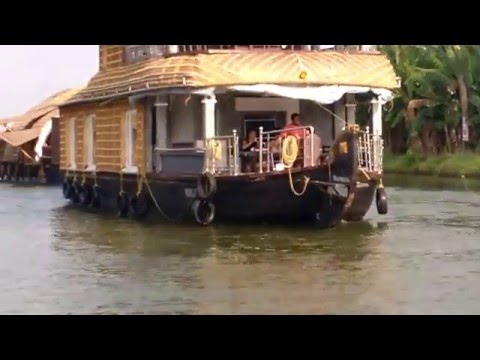 Video HouseBoat travel experience, Allapuzah/ Alleppy backwaters, Kerala download in MP3, 3GP, MP4, WEBM, AVI, FLV January 2017