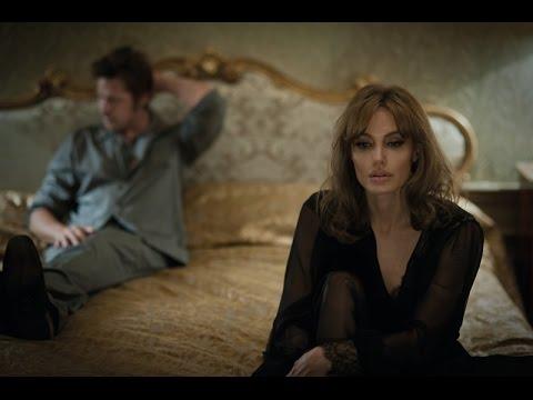 Angelina Jolie a Brad Pitt řeší manželskou krizi: Romantické drama U moře jde do kin