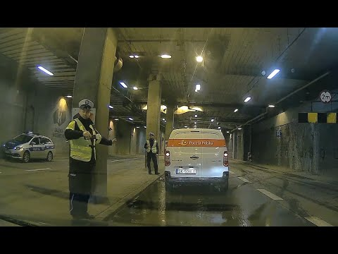 Jak ominąć policyjną kontrolę trzeźwości? Ten kierowca pokazał, że to bardzo proste – Wideo