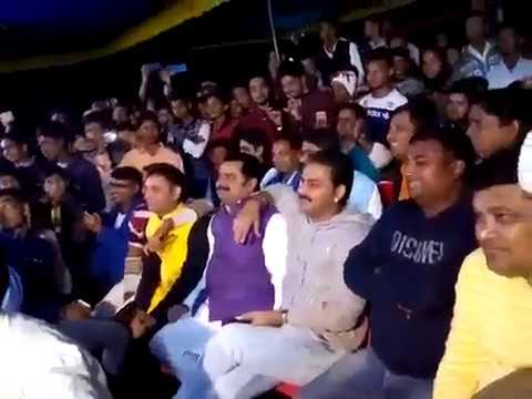 Video Pawan Singh_Ne Apne Gaw Arkesta Me Gana gaya Aur paisa diya dancer ko Song_ Char Din Se piywa Ba download in MP3, 3GP, MP4, WEBM, AVI, FLV January 2017