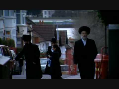Hasidic - An episode from the three part documentary jews from bbc. This is the story about a convicted Satmar drugdealer who after his relese from prison tries to get...
