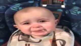 فيديو مدهش لرد فعل طفل عندما يسمع صوت أمه وهي تغني.. إحساسه لا يوصف!