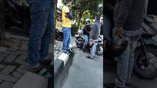 Download Video Saling pepet motor debt collector nyungsep MP3 3GP MP4