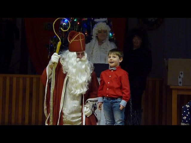 Stretnutie s Mikulášom pri vianočnom stromčeku
