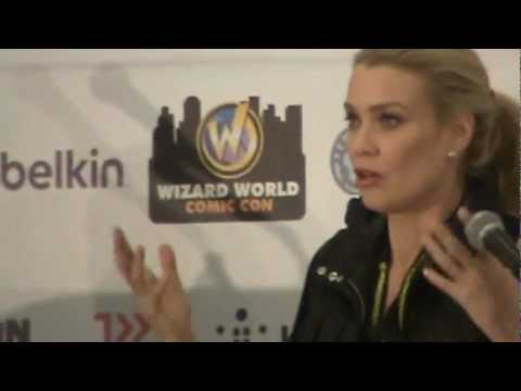 Laurie Holden (Andrea) panel at St Louis Comic Con March 23, 2013
