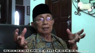 Video Siapakah Penderhaka Dalam Malaysia - Seniman Aziz Sattar MP3, 3GP, MP4, WEBM, AVI, FLV Juli 2018