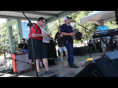 Live And Local Acadiana - Travis Matte and the Kingpins at Fetsival Acadiens et Creoles