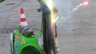 Video Nicola l'impennatore (Vespa freestyle) al Motor Bike Expo' di Verona 2010 MP3, 3GP, MP4, WEBM, AVI, FLV Juni 2018
