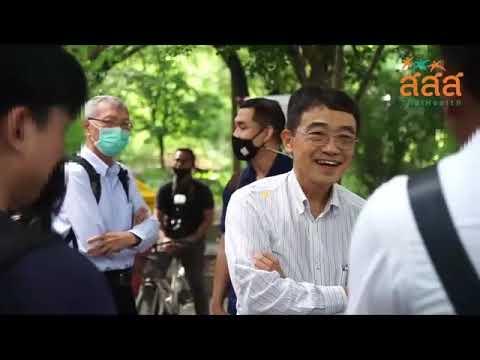 ม. หัวเฉียวเฉลิมพระเกียรติ สถาบันอุดมศึกษาปลอดบุหรี่ จากข้อมูลสถานการณ์การสูบบุหรี่ในเยาวชน ปี 2560 ของสำนักงานสถิติแห่งชาติ พบว่า เยาวชนไทยมีแนวโน้มสูบบุหรี่เพิ่มขึ้น อายุเริ่มสูบน้อยลง โดยกลุ่มอายุ 19-24 ปี มีอัตราการสูบบุหรี่เพิ่มขึ้นจากปี 2558 จากร้อยละ 20.2 เพิ่มเป็นร้อยละ 20.4 ในปี 2560 โดยปัจจัยที่ทำให้นักสูบอายุน้อยลงมาจากอุตสาหกรรมยาสูบใช้สื่อออนไลน์ทำการตลาดเพื่อเพิ่มยอดขาย โดยเฉพาะบุหรี่ไฟฟ้า ซึ่งสอดคล้องกับผลสำรวจการศึกษาการตลาดในธุรกิจยาสูบ . สสส. ได้ดำเนินโครงการมหาวิทยาลัยปลอดบุหรี่ ร่วมกับสถาบันอุดมศึกษาและภาคีเครือข่าย มาตั้งแต่ปี 2557 เพื่อลดปัญหานักสูบหน้าใหม่ ซึ่งมหาวิทยาลัยหัวเฉียวเฉลิมพระเกียรติ เป็นหนึ่งในมหาวิทยาลัยที่เข้าร่วมโครงการนี้ จนกลายเป็นต้นแบบสถาบันอุดมศึกษาปลอดบุหรี่ในปัจจุบัน โดยกำหนดพื้นที่ปลอดบุหรี่อย่างชัดเจน รวมทั้งจัดพื้นที่สำหรับการสูบบุหรี่ตามกฎหมาย นอกจากนี้ยังสนับสนุนกิจกรรมรณรงค์ไม่สูบบุหรี่ผ่านแกนนำนักศึกษา และให้บริการคลินิกฟ้าใส เพื่อช่วยบุคลากร เจ้าหน้าที่ นักศึกษาที่ต้องการเลิกบุหรี่ให้เลิกสูบได้สำเร็จ . ติดตามเรื่องราวกิจกรรมการแลกเปลี่ยนเรียนรู้ที่น่าสนใจของต้นแบบสถาบันอุดมศึกษาปลอดบุหรี่ได้ที่...ชู ม.หัวเฉียวเฉลิมพระเกียรติ ต้นแบบสถาบันอุดมศึกษาปลอดบุหรี่ http://ssss.network/f2aur