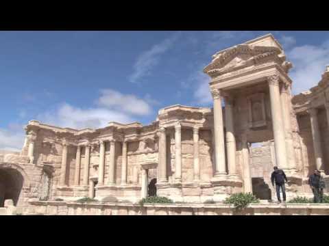 """""""Ислямска държава"""" взриви храм в сирийския град Палмира. 23 август 2015."""