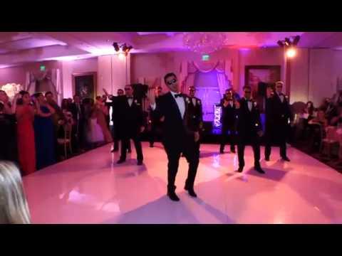 divertente sposo che balla!