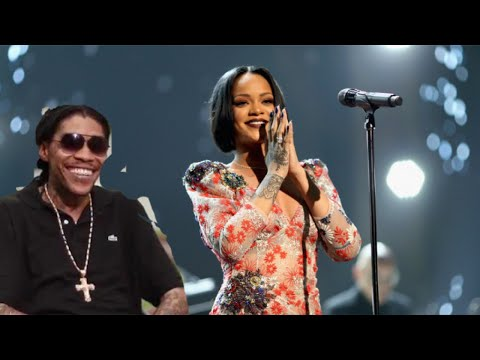 Video VYBZ KARTEL FEVER  SUNG BY RIHANNA AT  MET GALA download in MP3, 3GP, MP4, WEBM, AVI, FLV January 2017