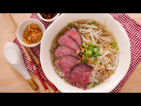 Thai Beef Noodle Soup ก๋วยเตี๋ยวเนื้อน้ําใส - Hot Thai Kitchen!