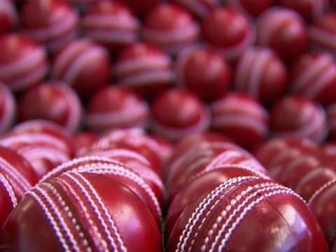 ක්රිකට් ගැහුවට මදි මෙන්න Cricket Ball හදන හැටි ඇස්දෙකෙන්ම දැකගන්න ......
