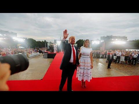 USA: Präsident Trump beschwört am Unabhängigkeitstag  ...