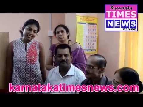 Mangaluru's Rashmitha secures first rank in commerce