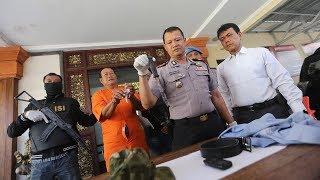 Video Insiden Rebutan Lahan Parkir Berdarah | Wayan Siki Tikam Tubuh Pasek MP3, 3GP, MP4, WEBM, AVI, FLV Oktober 2018