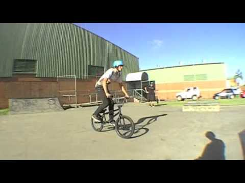 Rileys first BMX Edit 2011: Take it Slow
