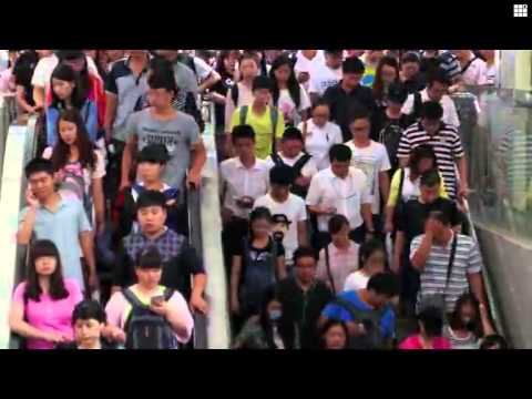 Surviving Beijing's busy subway - Funny China Vol. 3