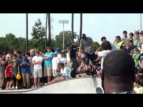 Tony Hawk Birdhouse Skating Buckwalter Skatepark