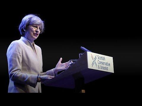 Τερέζα Μέι: Σκωτσέζικο ουίσκι για την ενότητα μετά το Brexit
