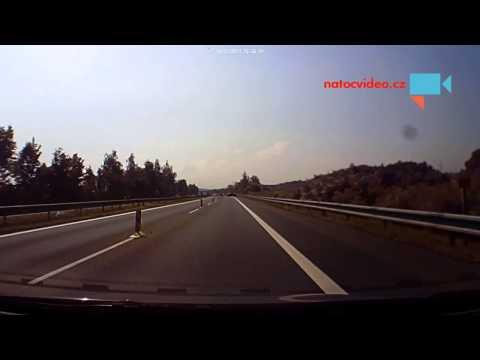 Otáčení auta v zákazu.(R56)
