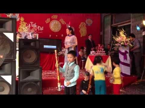 Ca sỹ THANH THANH HIỀN hát tại đám cưới