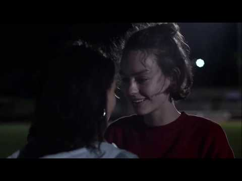 atypical season 3 - all casey and izzie kisses (+ THE dance scene)