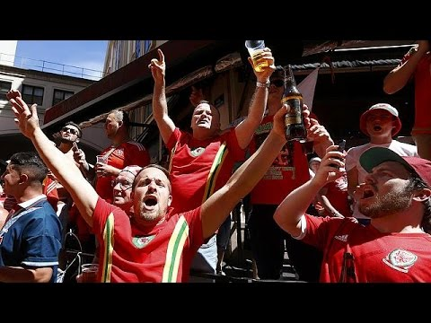 Euro 2016: Ουαλοί και Πορτογάλοι χορεύουν στους δρόμους της Λυών